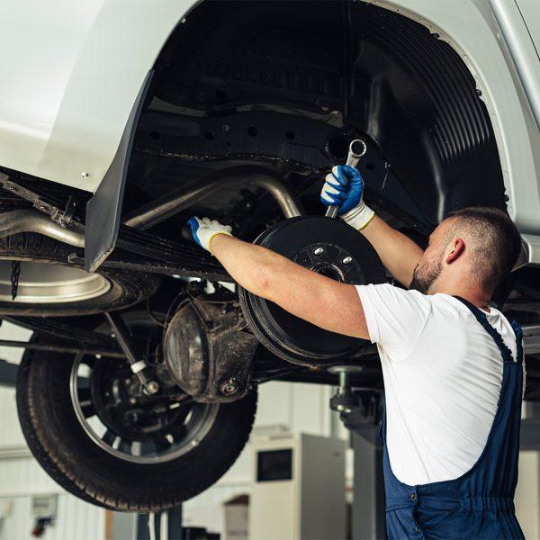 C.13 Trabajos en talleres de reparación de vehículos