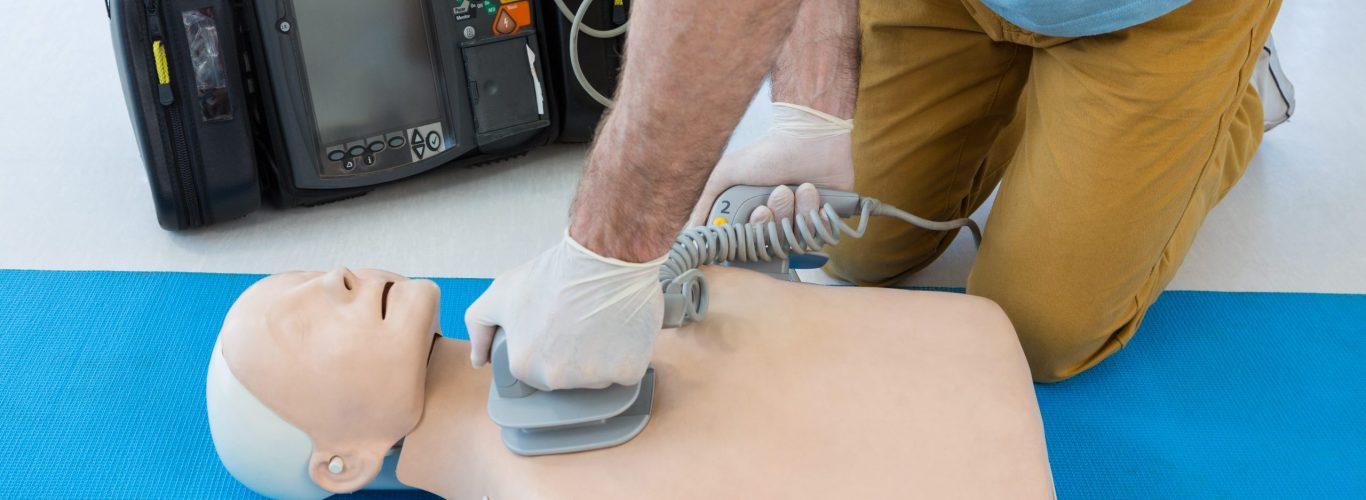 primeros auxilios y uso de desfibriladores semiautomáticos externos